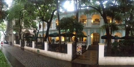 Starbucks, Shamian Road
