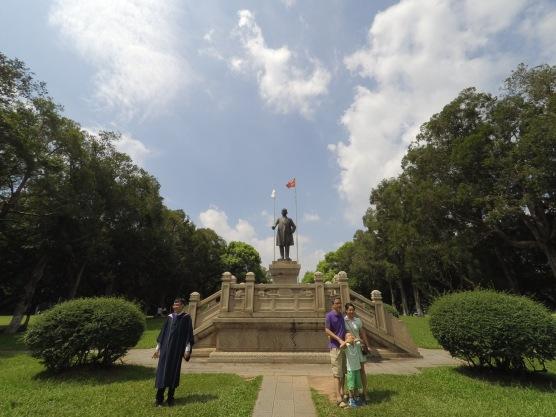 Patung Sun Yat Sen