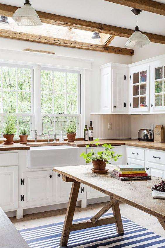 Kitchen 02.jpg